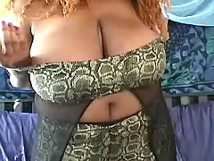 Ebony fat mom shows her greasy body bbw sex